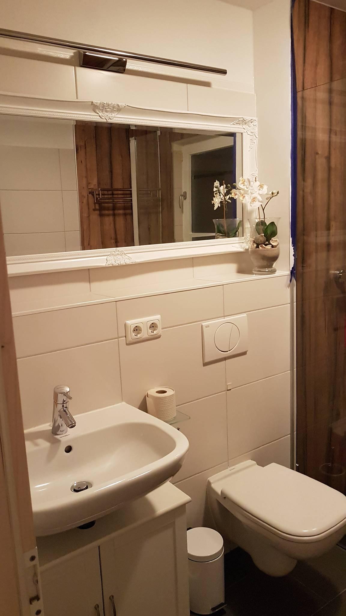 Badezimmer mit Whirpoolwanne