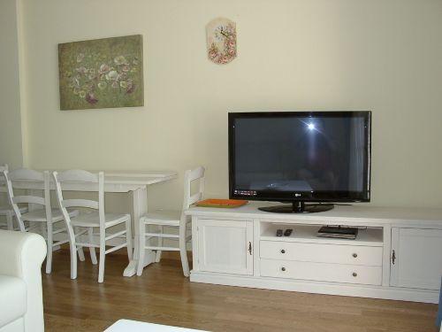 Der Sat-TV im Wohnraum.