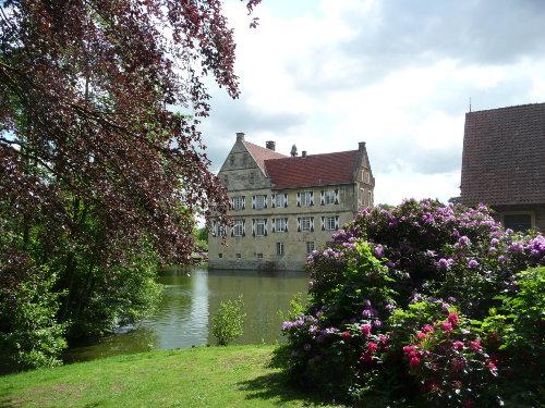 Burg H�lshoff mit dem Droste-Museum