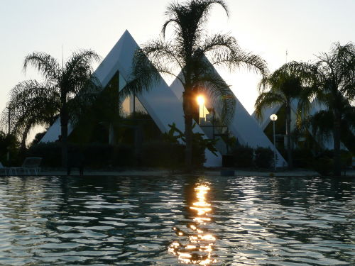 Sunset im Pyramid Village