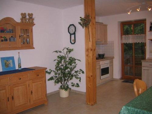 Sideboard und Teil der Küche