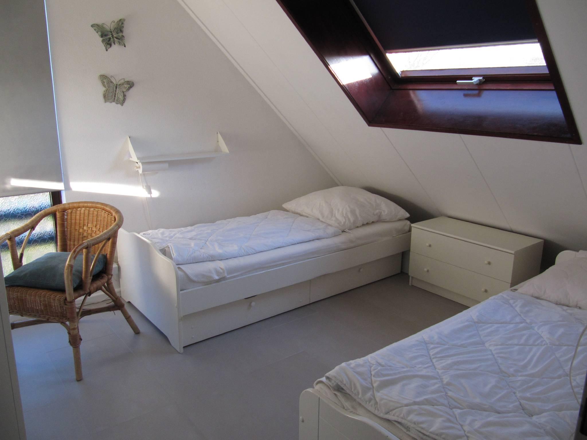 OG - Schlafzimmer links