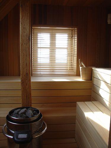Sauna für 8 Personen im Dachgeschoß
