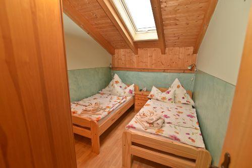 Schlafzimmer 2 für Kinder und Erwachsene