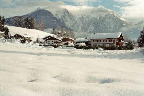 Stanggaß im Winter mit Kehlstein u. Göll