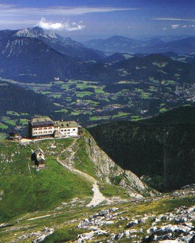 Watzmannhaus mit Blick auf Berchtesgaden