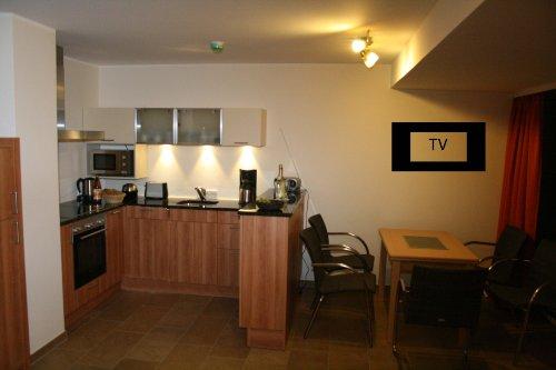Wohnküche und Essbereich