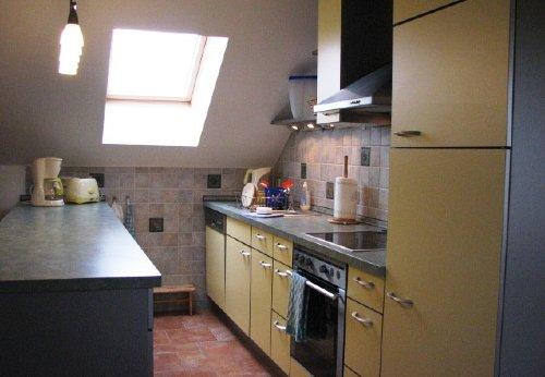 Die modern ausgestattete Küche