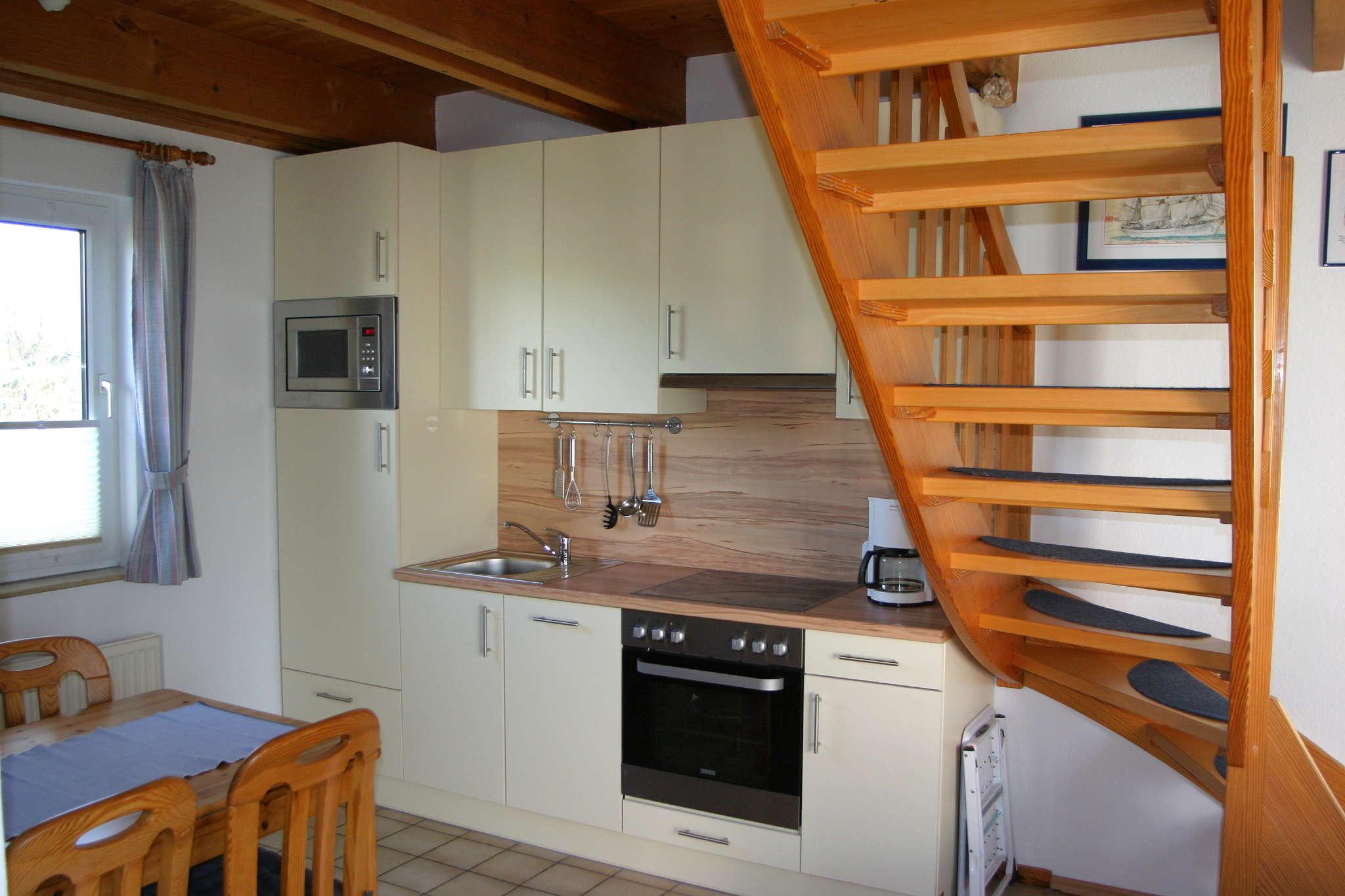 Neue Küche mit Geschirrspüler.