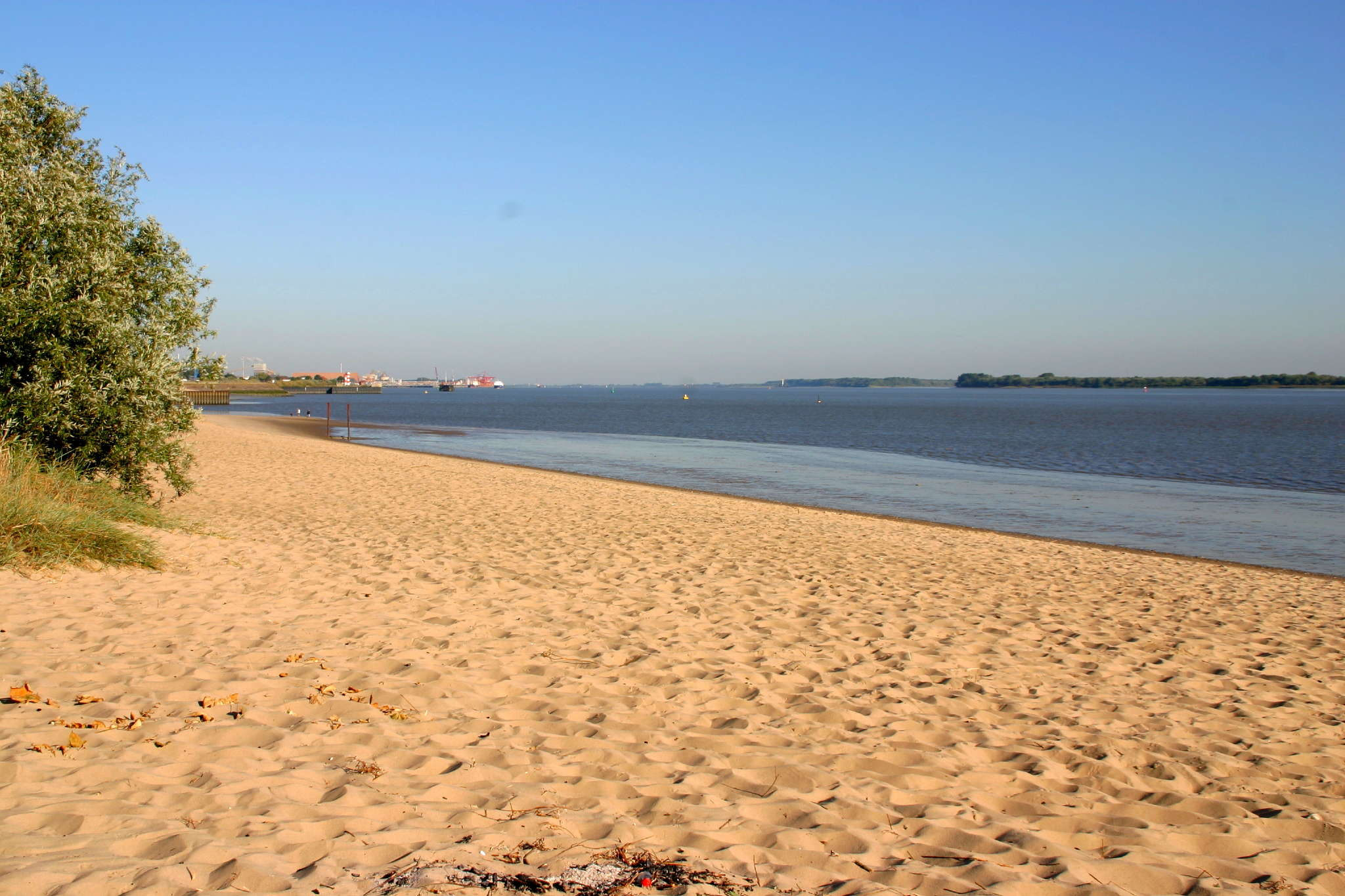 Baden in der Elbe (Strandbad Bassenfleth