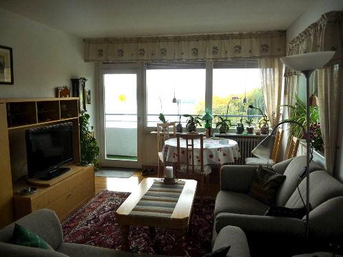 Wohnzimmer mit 2 Zweisitzsofas