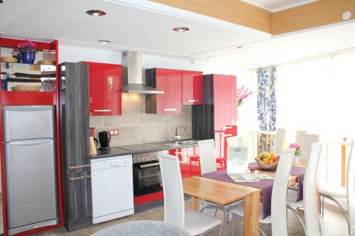 Küche im Erdgeschoß mit Spülmaschine