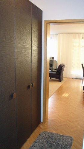 Eingangsbereich mit Kleiderschrank