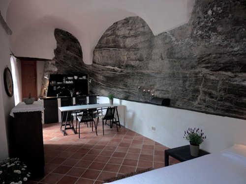 Sala, Essplatz und Küche