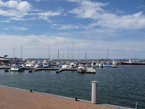 Der Bootshafen in Wiek