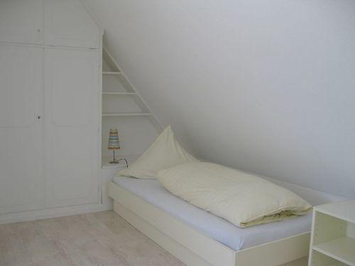 ... mit zwei Einzelbetten ( 90x200 )