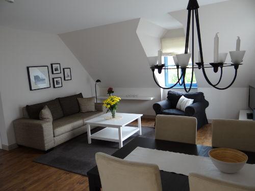 Wohn- und Essbereich mit anschl. Balkon