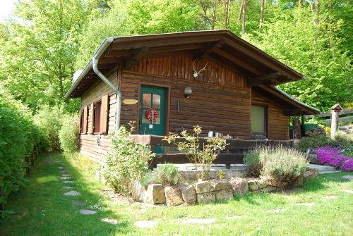 Die Hütte im Sommer