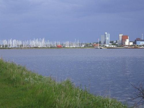 Der Blick zumYachthafen + Stadtmitte