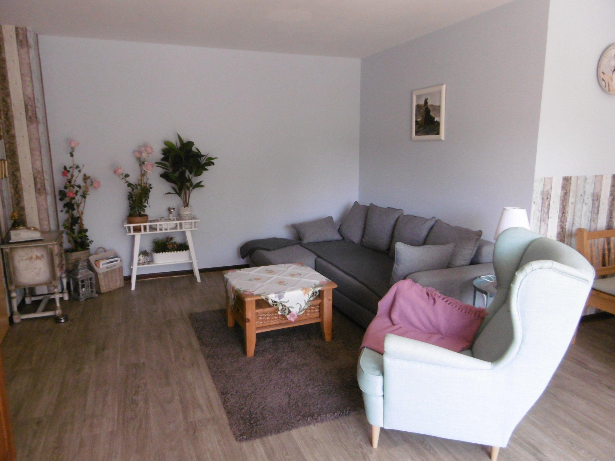 Wohnzimmer mit tollem S�dbalkon