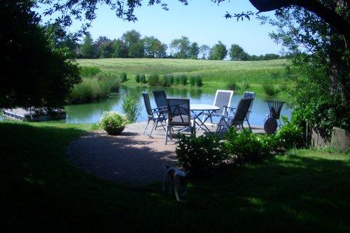 Terasse am Teich