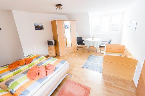 Dachgescho�-Doppelbettzimmer