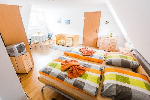 Dachgescho�-Schlafzimmer