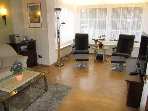 Wohnzimmer mit Massage Sessel