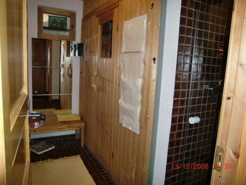Sauna mit Dusche im Untergeschoss