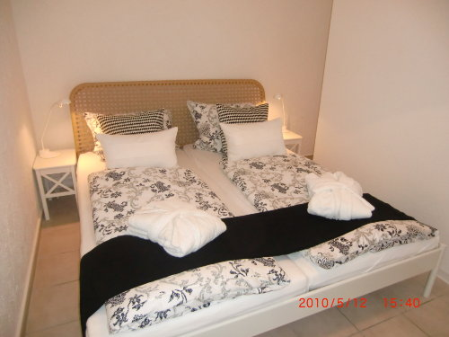 Doppelschlafzimmer (180 cm)
