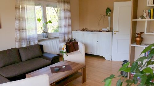 Wohnschlafzimmer / gro�e Bettcouch