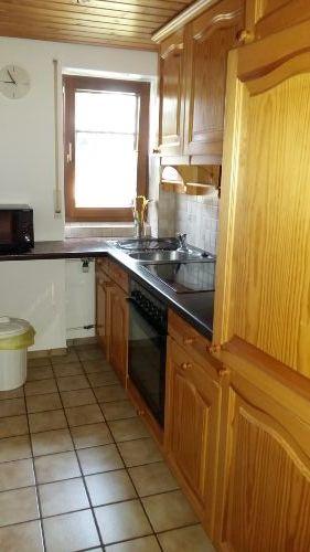 Küche mit Mikrowelle u. Kaffeemaschine