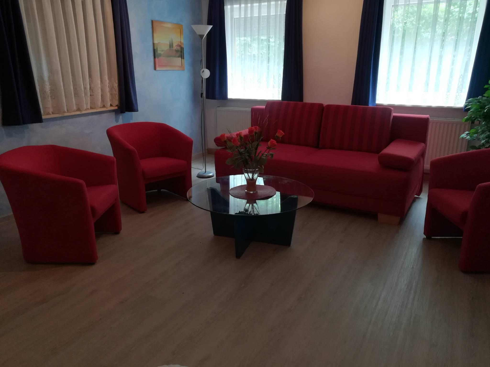 Schlafzimmer (OG) Doppelbett (180x200cm)