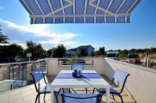 Blaue Wohnung - Terrasse