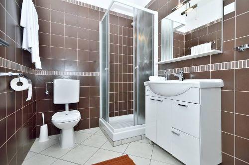 Braune Wohnung - Badezimmer