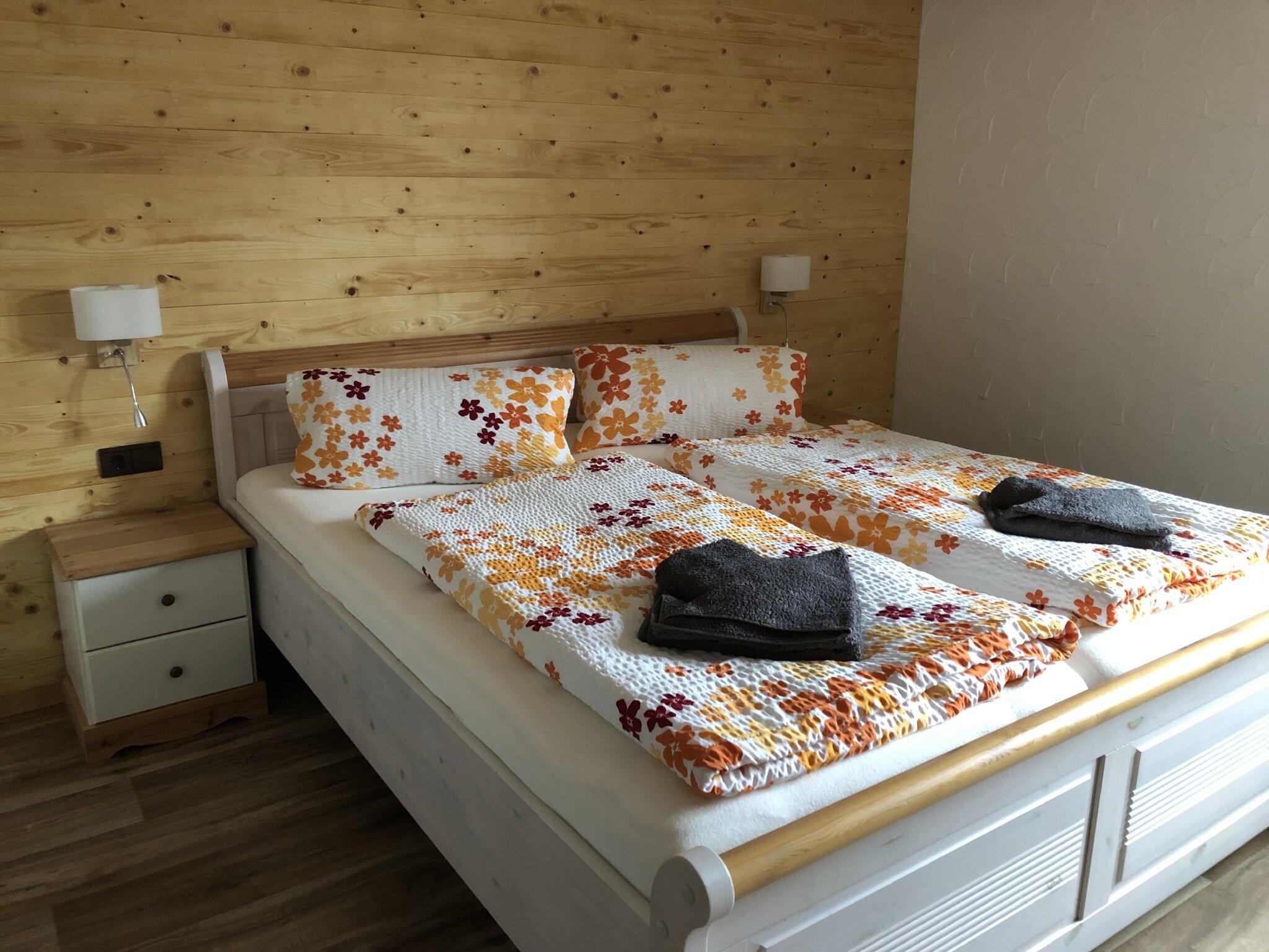 ferienwohnung pension br ckner fewo 1 in auma th ringen br ckner. Black Bedroom Furniture Sets. Home Design Ideas