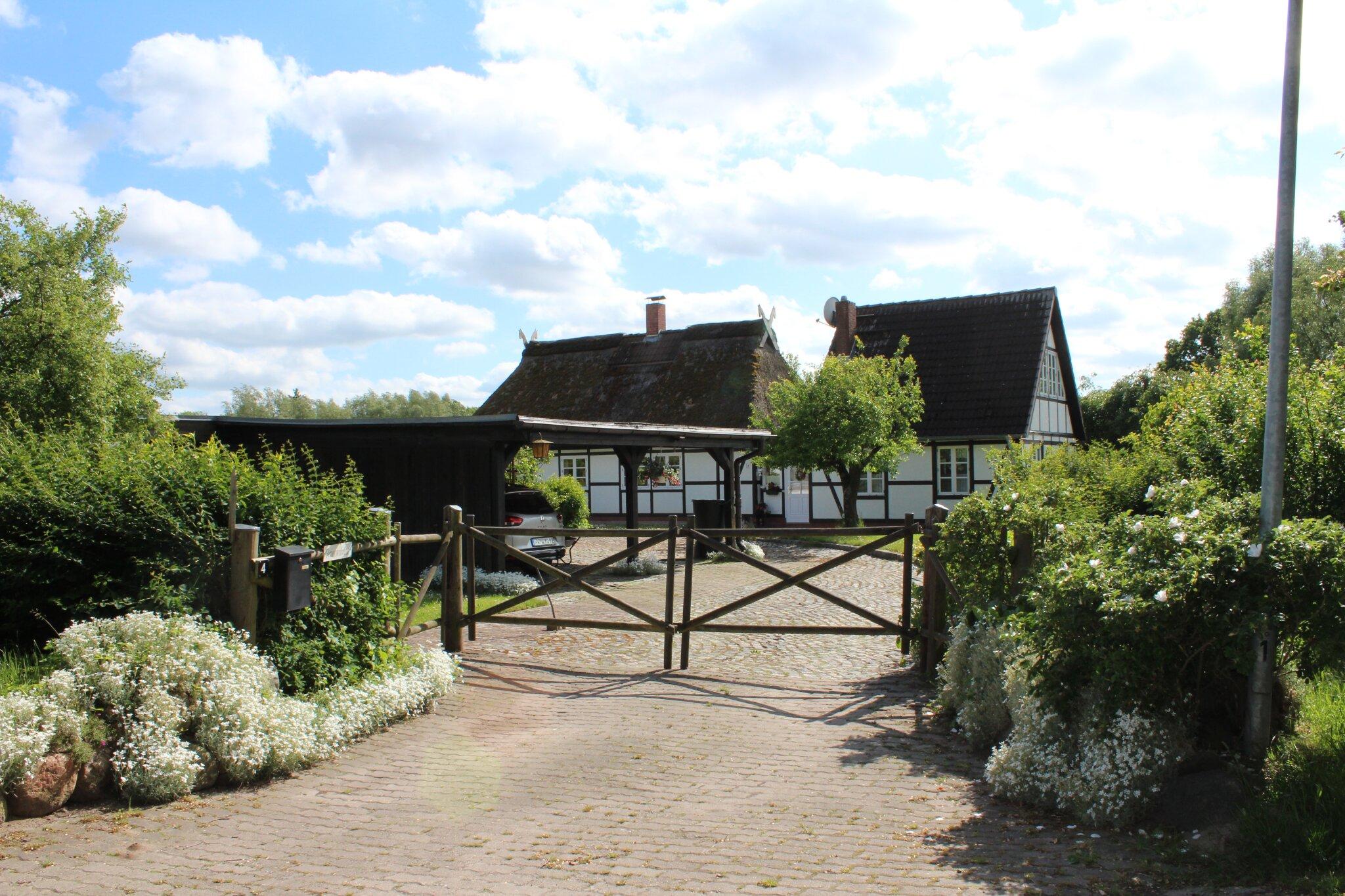 Eingang Grundstück