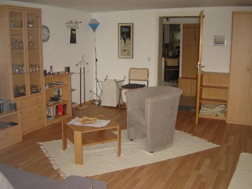 Moderne Ausstattung im Wohn-Schlafraum