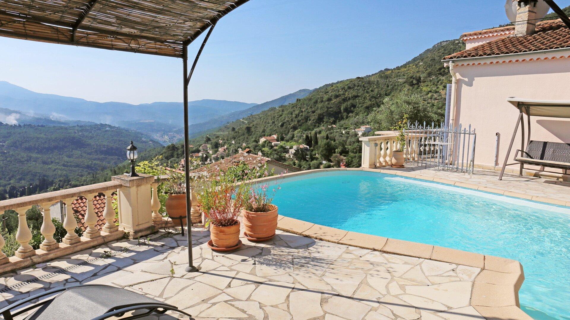 Der private Pool und die schöne Aussicht