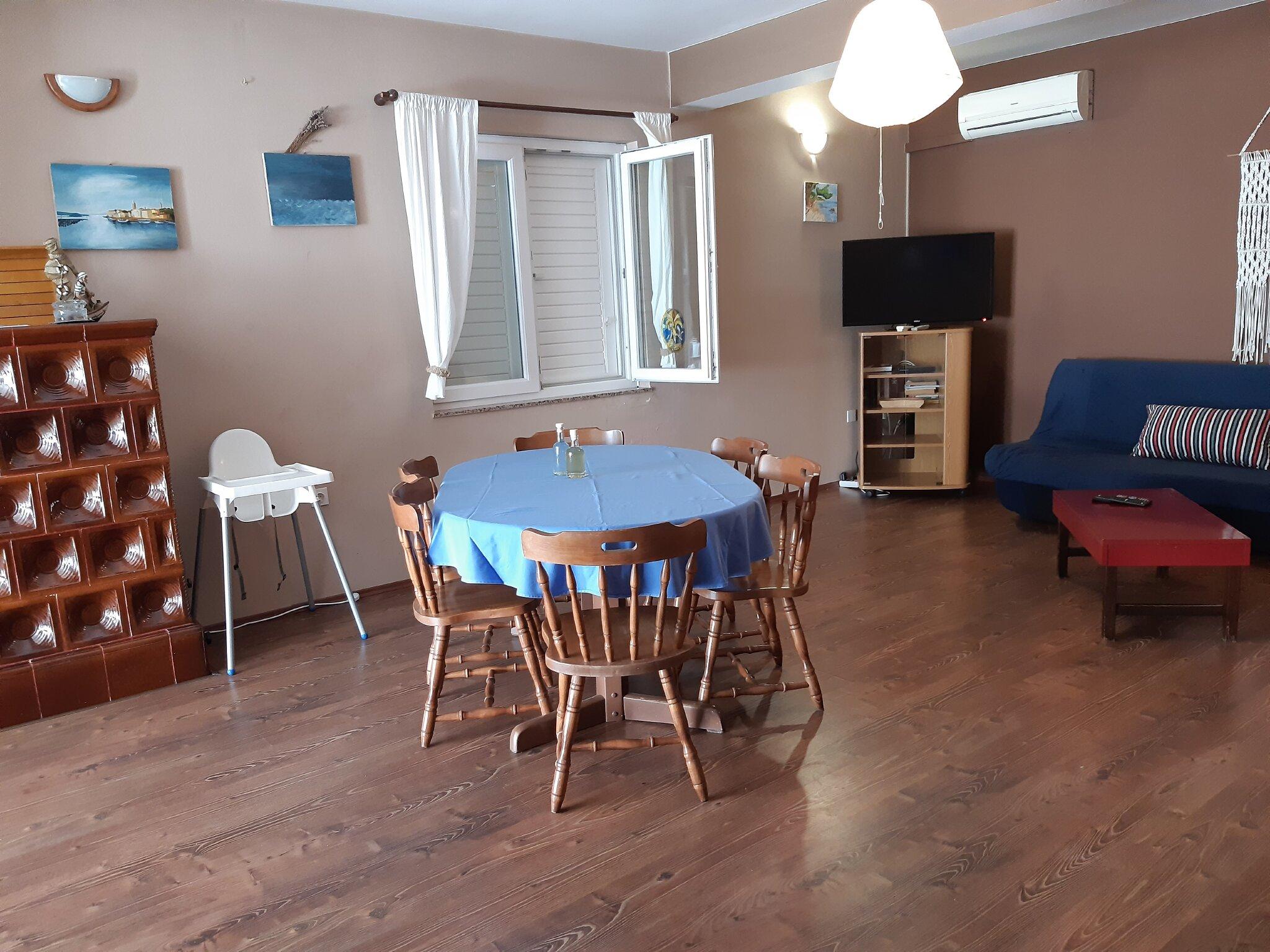 VILLA KATIA: Küche mit Balkon Meerblick