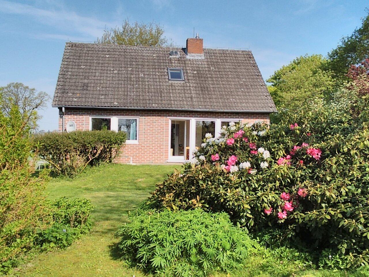 Ferienhaus Rethwisch vom Garten aus.