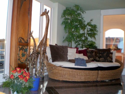 Sitzecke im Wohn-Schlaf-Bad