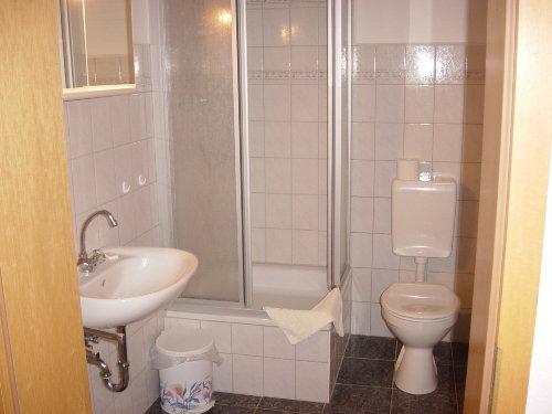 Dusche / WC und Waschtisch