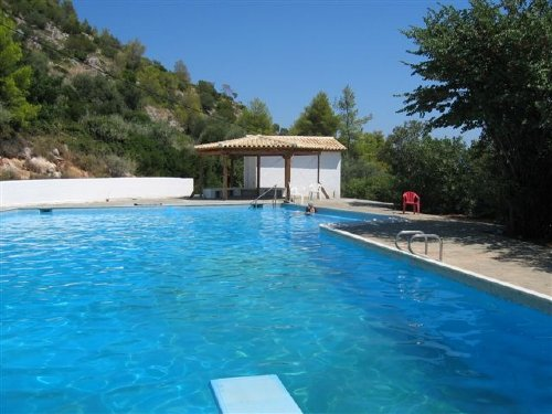 Swimming pool(22m) mit Pavillon