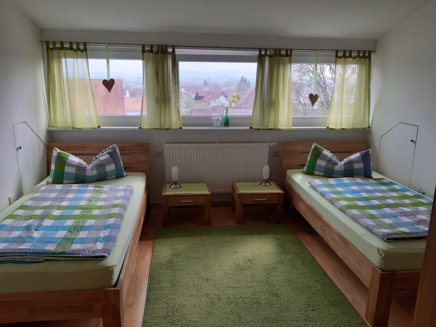 Schlafzimmer 2 mit 2 Einzelbetten