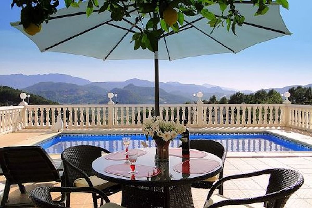 Villa Gandia Hills, Pool & Eingang Fewo