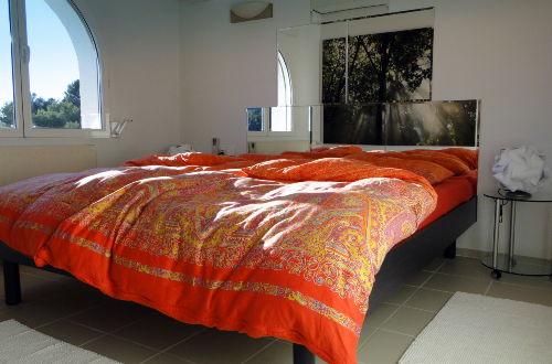 Schlafzimmer mit Spiegelwand