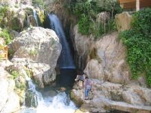 Ausflugsziel mit Wasserfällen in Algar