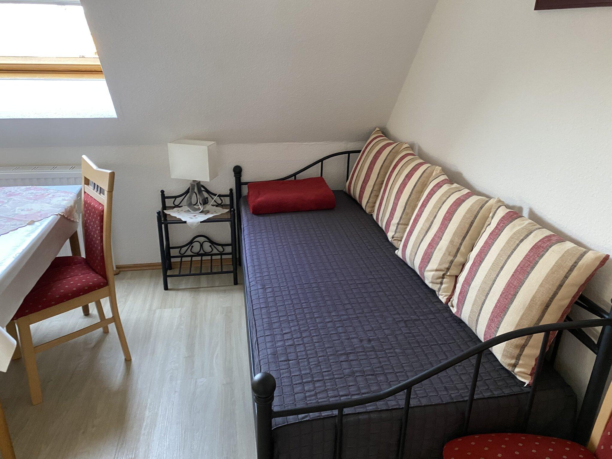 Zusatzbett im Wohnzimmer