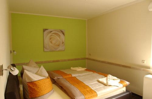 Schlafzimmer 1 Ferienhaus Elbinsel